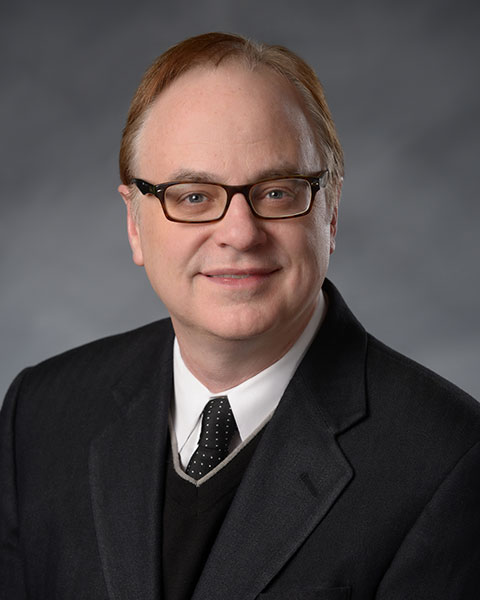 Dave Dwyer awarded Eykamp Prize at 160th Commencement